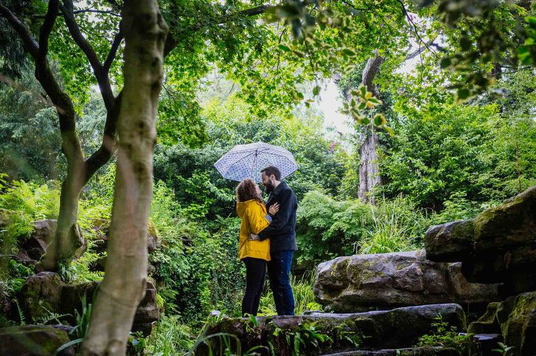 couple-engagement-shoot-rosshall-park-glasgow