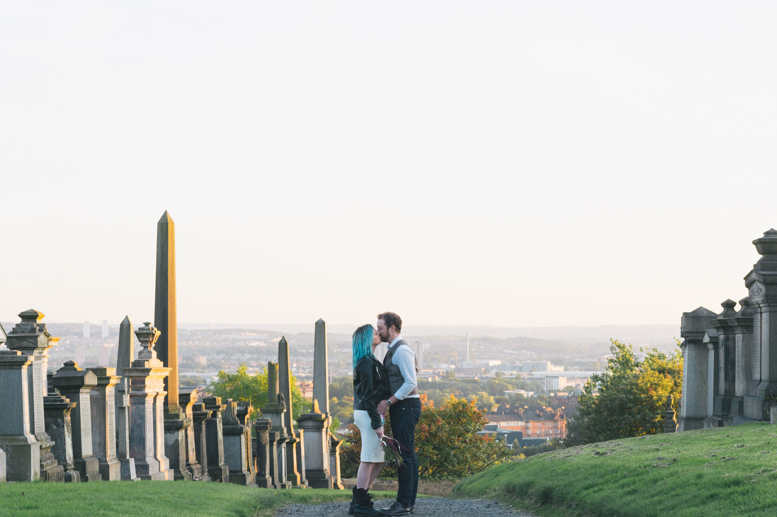 couple-kissing-at-necropolis-glasgow