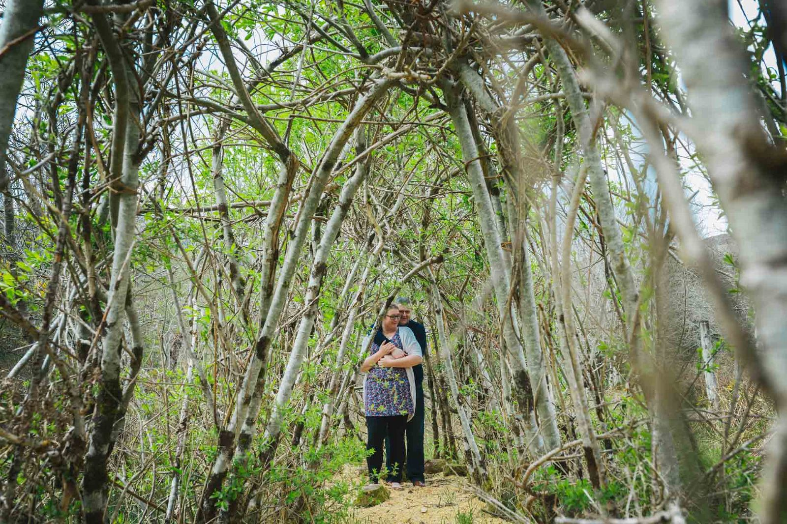 couple-hugging-living-willow-dome-lochcarron