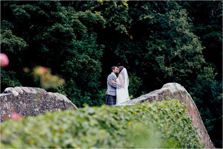 bride-groom-brig-o-doon