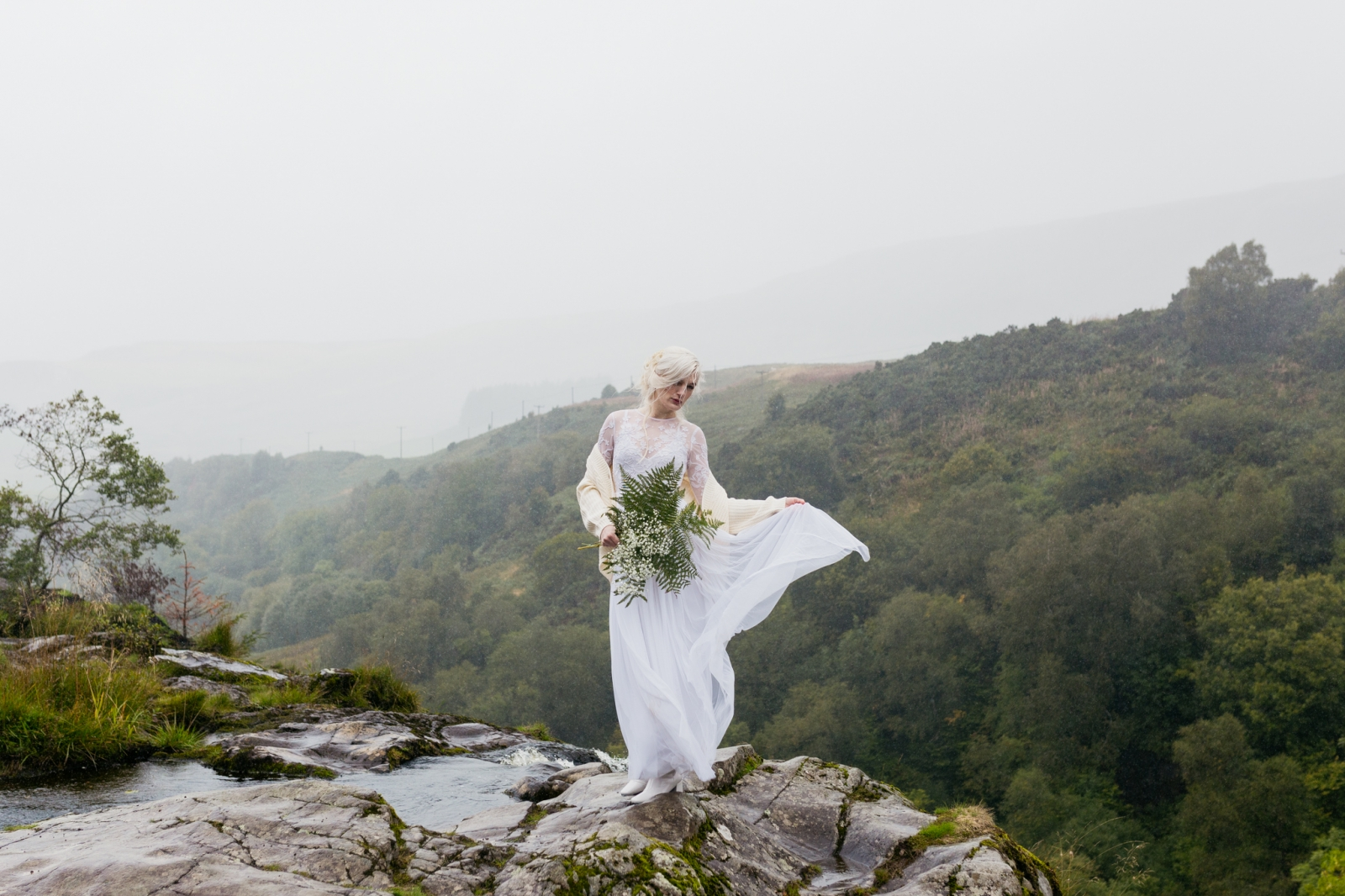 model-outdoor-styled-wedding-shoot